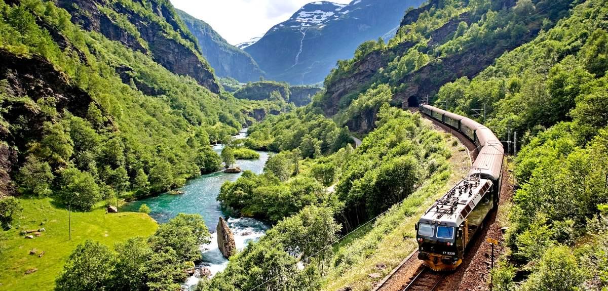 flamsbanen-travel-by-train-norway6